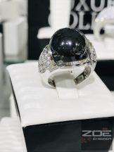 Fekete köves koktél gyűrű, cirkónia kövekkel MONI'S
