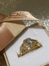 Sárga arany világos kék és fehér köves gyűrű Au 1115