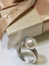 Igazgyöngy ezüst gyűrű , cirkónia kövekkel Ag 3526(122.)