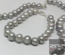 IGAZGYÖNGY KARKÖTŐ - ezüst szürke színben -18cm  R1702